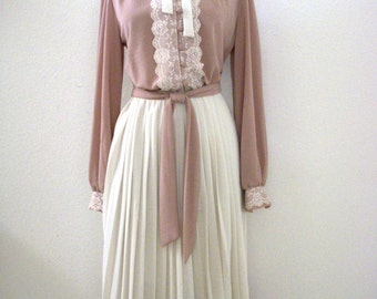 Vintage 1970's Taupe and White Pleated Day Dress, Tan and Off White 70s Secretary Crepe Dress with Matching Belt, Size Medium