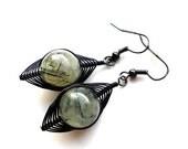 Wire wrapped prechnite earrings, dangle earrings, simple earrings, copper earrings, clasic, wirewraped, wire wrap, black, drop earrings