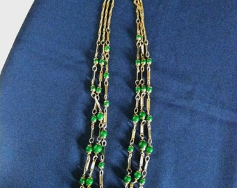 Vintage 1970's 3 Strand Necklace Gold Tone Kelly Green Glass Beads
