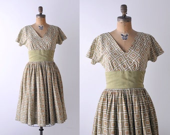 1950's dress. green. 50 full dress. pleated. printed floral. small. cotton.