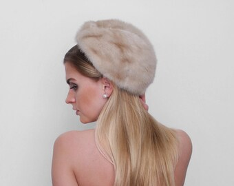 1960's fur hat. vintage. 60's mink hat. round cap. 60 hat. cream tan fur. small.