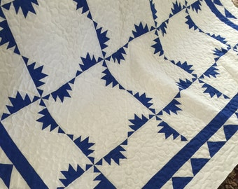 Quilt Kansas Trouble Royal Blue and White Queen