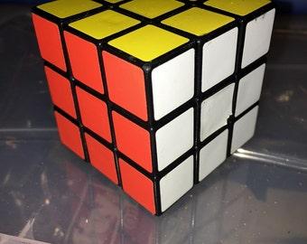 Vintage 1980s Rubik's cube puzzle RAD