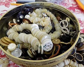 Tin of Antique & Vintage Buttons - Bakelight Glass Pearl Acrylic Celluloid - Jewelry making Collection Steampunk