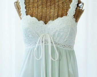 Olga Padded Shell Cups Overlaid Lace Nightgown Lace Hemline New Old Stock Unworn SM