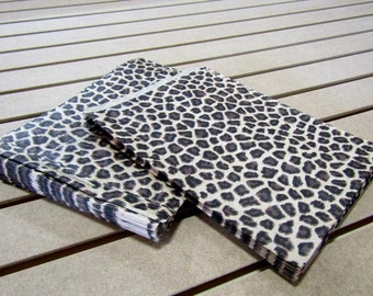 100 Pack - Leopard Print Sacks (8.5 x 11 in) // BOUTIQUE CHIC //