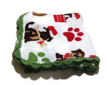Christmas Puppy Blanket Fuzzy Fleece Throw Paw Print and Santa Dogs Festive Blanket with Green Shell Crochet Edge