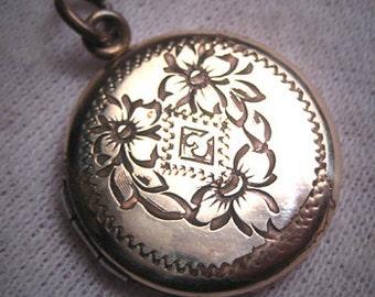 Antique Ornate Gold Locket Victorian Edwardian c.1910 Pendant Necklace