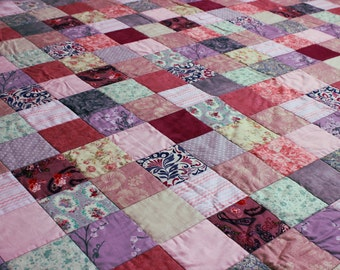 Pink and lilac patchwork quilt, grey quilt, feminine quilt, modern quilt, bedding, lap quilt, sofa throw, UK quilt