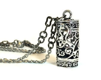 Secret Compartment Necklace / Stash Necklace / Hidden Compartment Jewelry / Keepsake Necklace / Prayer Box Necklace / Secret Stash Necklace