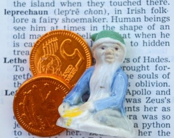 Pot of gold lucky leprechaun green hat wade figurine Wade whimsies Ireland Irish folk stories St. Patricks Day Irish souvenir
