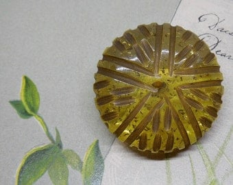 Carved Applejuice Bakelite Button w/ Glitter
