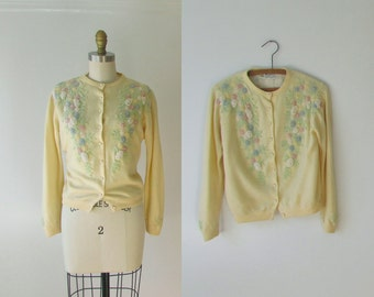 vintage 1950s sweater / 50s beaded cardigan sweater