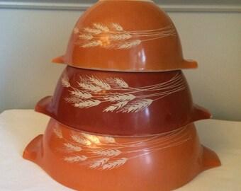 Vintage Pyrex set of 3 Nesting Mixing Bowls Autumn Harvest Pattern