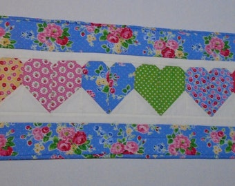 Quilted Table Runner, Floral Hearts Table Runner, Quilted Table Topper, Cottage Shabby Chic Table Quilt, Valentine Runner