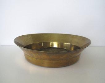 Vintage brass bowl/large size brass bowl/ rimmed