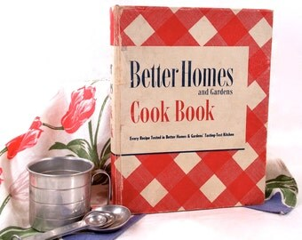 Better Homes and Gardens De Luxe Edition Cook Book,  1950, Red and White checkered tablecloth Hardcover, 5 Ring Binder, Vintage Kitchenware