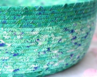 Green Floral Basket, Handmade Rope Basket, Lovely Gift Basket, Picnic Basket, Pet Bed, Cat Bed, Summer Green Magazine Basket