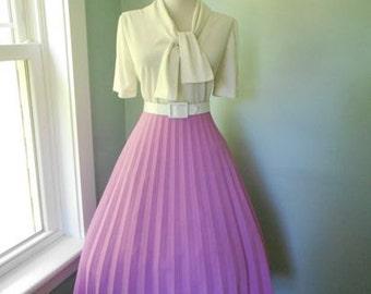 VINTAGE 1950s 1960s Light Purple Accordion Style Pleated Full Skirt