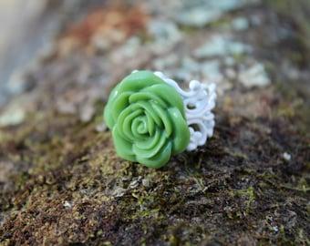 Grande Green Rose Ring