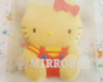 Japanese Handbag Hello Kitty. Sanrios 86s Mirror.XTra Rare