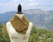 Handmade Neckwarmer Scarf with Button - Artesano