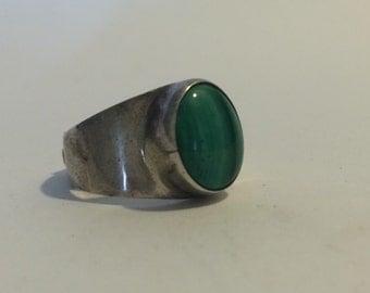 Malachite Bezel Ring set in Sterling Silver sz 7.5