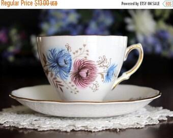 Vintage Teacup, Tea Cup and Saucer, Vintage Bone China, Royal Vale 13563