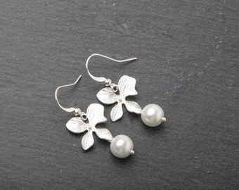 Bridesmaid earrings, silver orchid earrings, white wedding jewelry, orchid and pearl earrings, Bridesmaid gift, white pearl earrings