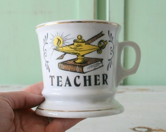 Vintage TEACHER Mug...apple. retro housewares. coffee. tea. teacher appreciation. holiday. kitsch. gift. teacher. school. number one. apple