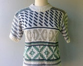 1980s Short Sleeve Sweater wih Southwestern Design // Size Small