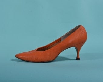 Vintage 1960s Orange Stiletto Shoes - Leather High Heels - Bridal Fashions Size 7
