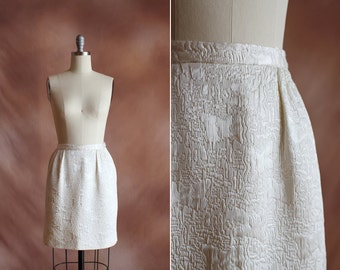 SALE / vintage 1960's cream textured woven tapestry mini bell skirt / size s