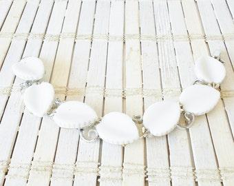 Lisner White Leaf Bracelet, White and Silver, Vintage bracelet, Retro Chic, 1950's, Mid Century, Signed vintage, Link bracelet, White leaves
