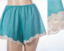 Gorgeous silky soft 60's vintage 'Wolsey' shimmering jade green sheer nylon and dainty cream lace detail french knickers tap panties - 3677