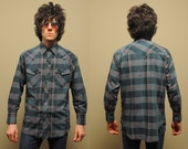 vintage Wrangler western shirt pearl snap plaid western shirt X-long tails cowboy shirt mens vintage menswear medium M 15.5 33