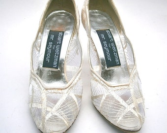 Vintage Ivory Ladies Shoes Size 4.5B Satin White Pumps High Heels Stuart Weitzman Embroidery Mesh See Through Mr Seymour Bride Bridal Women
