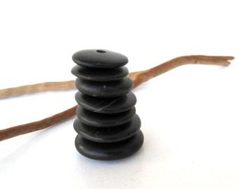 Rock Donut Beads Centre Drilled Beach Stones Diy Jewelery Stone Beads Mediterranean Natural Stone Spacers Rock Cairn BLACK WHEELS 18-26