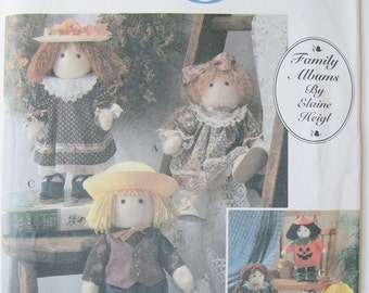 Doll craft Decorative Stuffed Reindeer and Bear with clothes / One Size.  Simplicity 7045