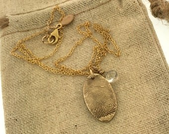 Fingerprint, thumbprint in solid bronze, 14k golf filled chain and genuine stone, fingerprint jewelry, fingerprint necklace