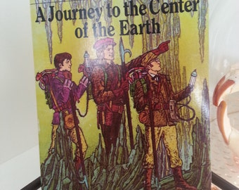 1987 Moby Books Illustrated Classics Journey to the Center of Earth By Malvina G. Volga