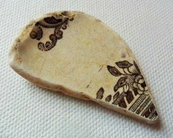 Spittal beach find sea beach pottery fragment - Lovely English brown floral shard