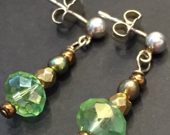 Green Crystal and Pearl Post Earrings with sterling silver posts and freshwater pearls (EA76)