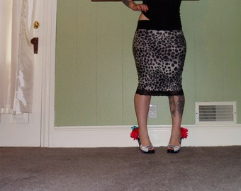 What's New Pussycat? - A Gray Leopard Print Pencil Skirt