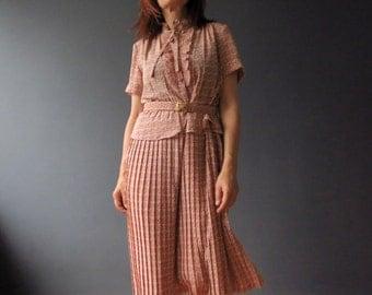 Vintage 70s Coral Pink Mircro Floral Tea Dress Small Pleated Peplum