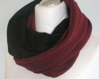 Black Knit Infinity Scarf Chunky Infinity Scarf Knit scarf Knit Cowl Scarf Neckwarmer Circle Scarf Chunky Scarf Burgundy Striped