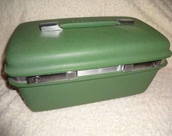 Vintage Samsonite Luggage train case hard body green