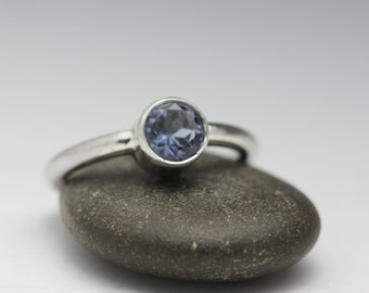 Tanzanite Ring, Sterling Ring, Faceted Tanzanite, Periwinkle Blue Stone, Size 6.5