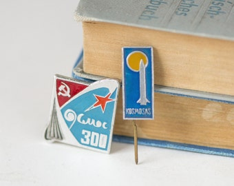 Soviet spaceflight badges, set of 2 Soviet  space mission pins, rare USSR badges space history pins, gift space badges