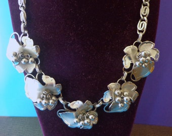 NECKLACE MEDITERRANEAN Grape Cluster Silver Tone Wide 3-D Vintage jewelry possible attributed to LISNER